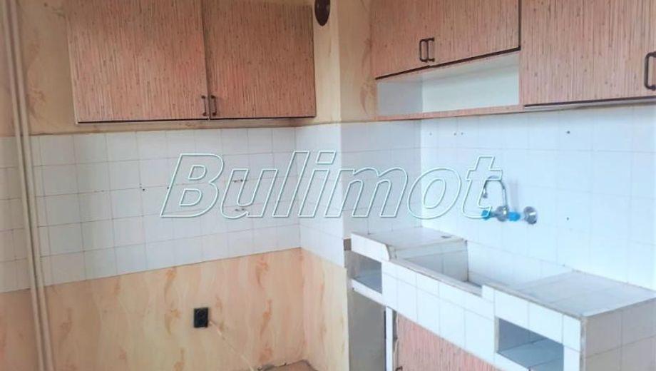 тристаен апартамент варна jfqb7tkb