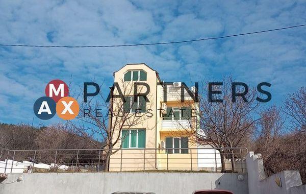 тристаен апартамент варна jg3m1vv3