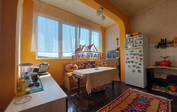 тристаен апартамент варна jlryt2ek