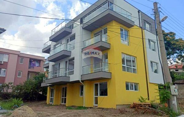 тристаен апартамент варна jq3rjadf