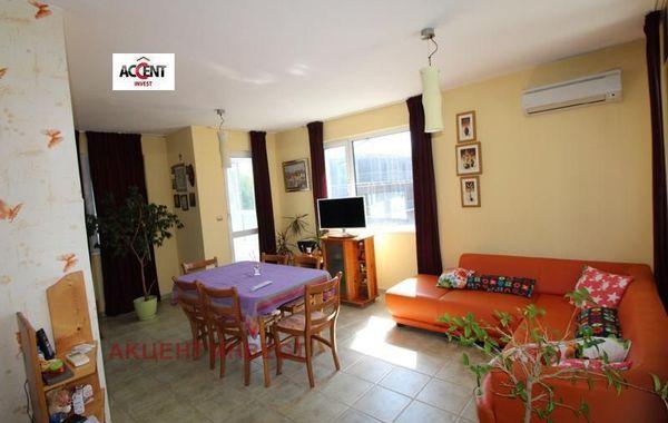 тристаен апартамент варна k1qks73v