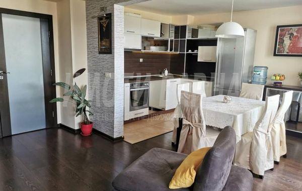 тристаен апартамент варна k4j3ymwb
