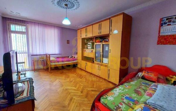 тристаен апартамент варна ka2qx3vh