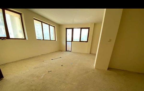 тристаен апартамент варна kd5pj52y
