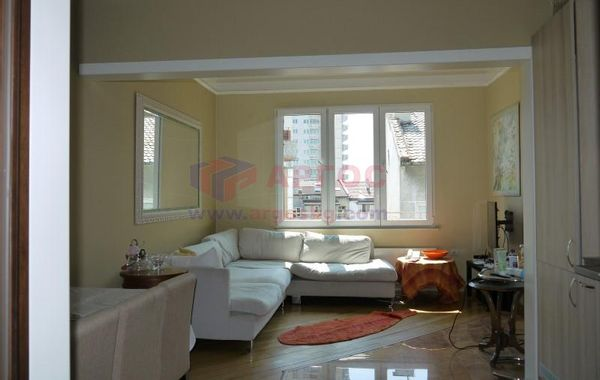тристаен апартамент варна kgn6686f