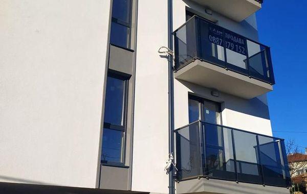 тристаен апартамент варна kv55t146