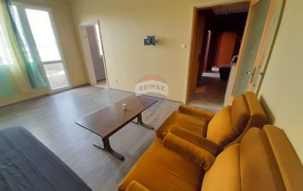тристаен апартамент варна l53a15hg