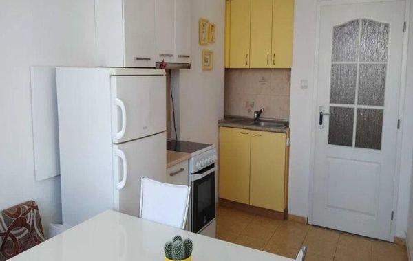 тристаен апартамент варна l99txh1u