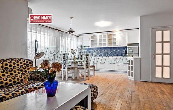 тристаен апартамент варна lacan18l