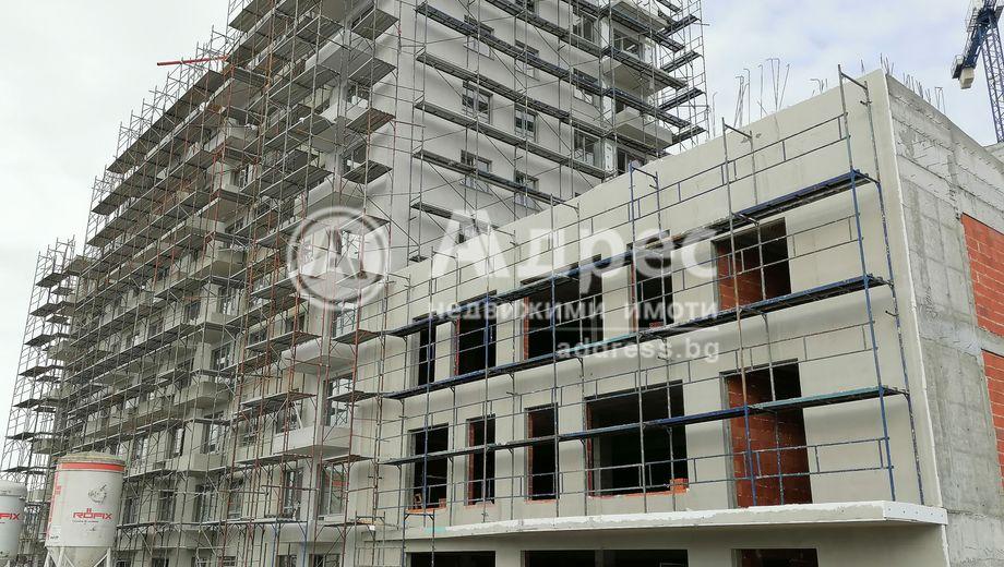 тристаен апартамент варна lrkv6eqm
