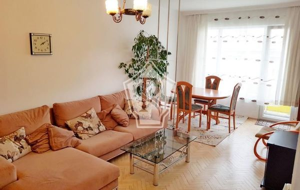 тристаен апартамент варна luuesnsu