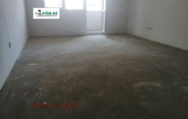 тристаен апартамент варна lv4vyeep