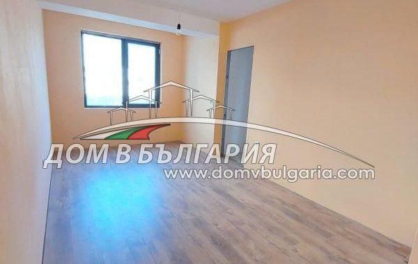 тристаен апартамент варна m1y8s1lx