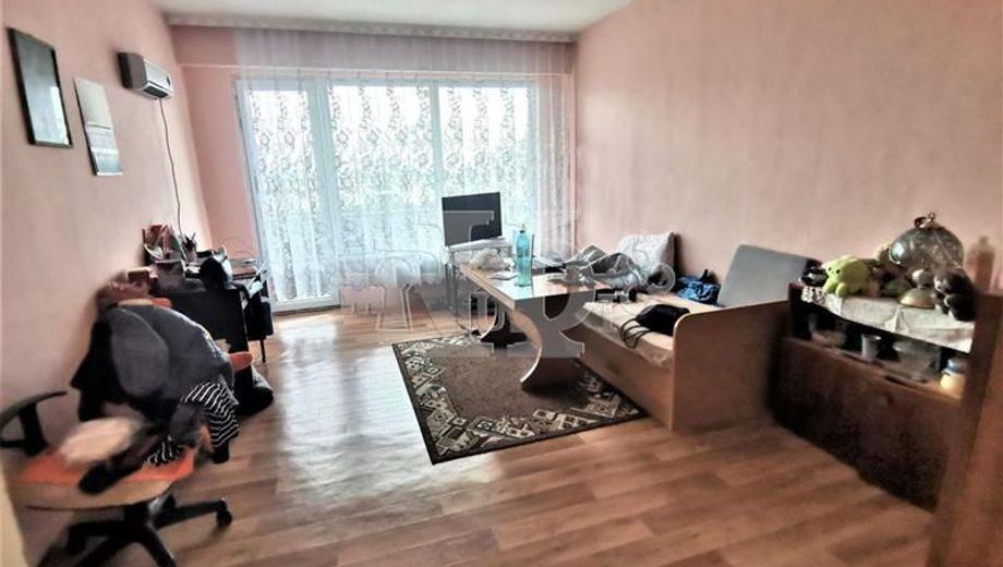 тристаен апартамент варна m5l2laqv