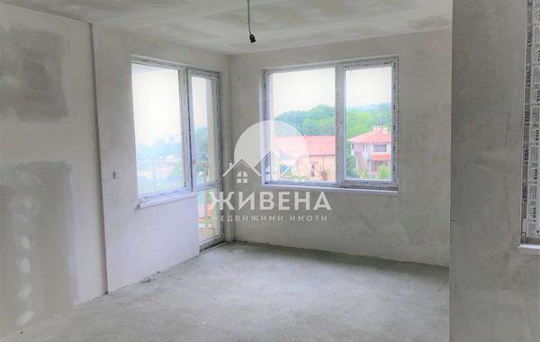 тристаен апартамент варна m8lfv8wj