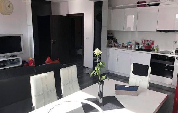 тристаен апартамент варна mcu5l7t3