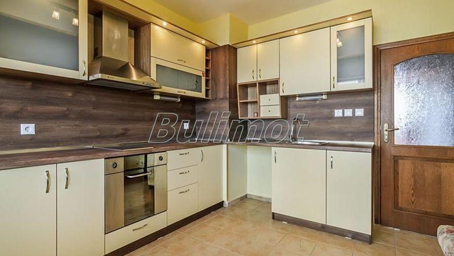 тристаен апартамент варна mdy21rmc
