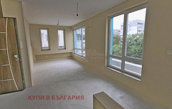 тристаен апартамент варна msy7y7d2