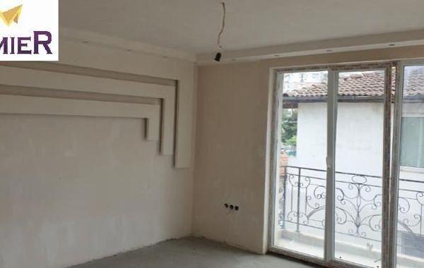 тристаен апартамент варна mtlxj3h5