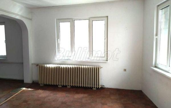 тристаен апартамент варна mwd4f2yb