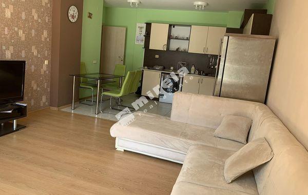тристаен апартамент варна mwlabkst