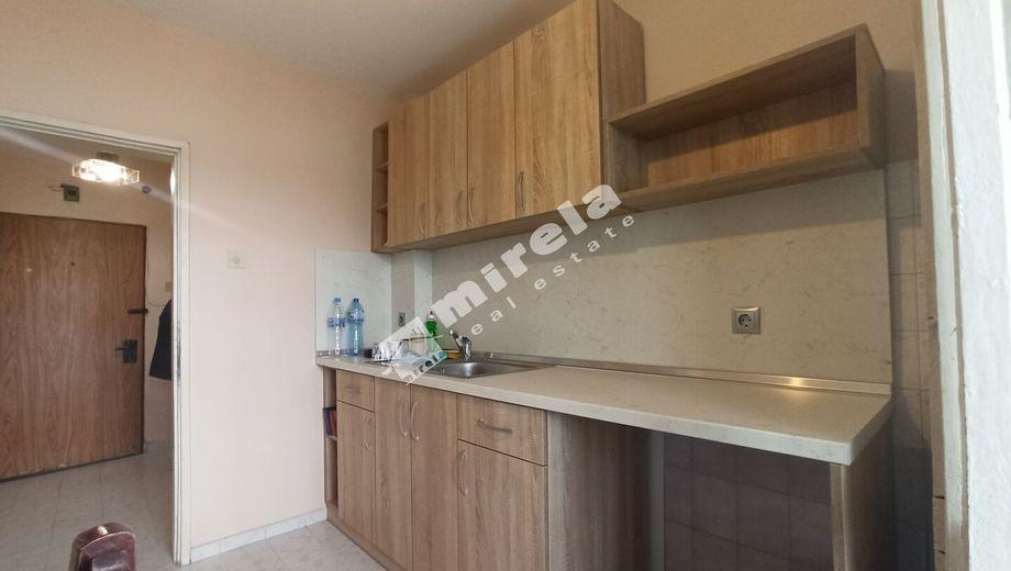 тристаен апартамент варна my74u93m