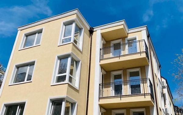 тристаен апартамент варна n4b8xwvv