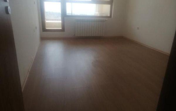 тристаен апартамент варна n6easxrb