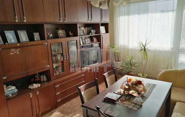 тристаен апартамент варна n88p38rg