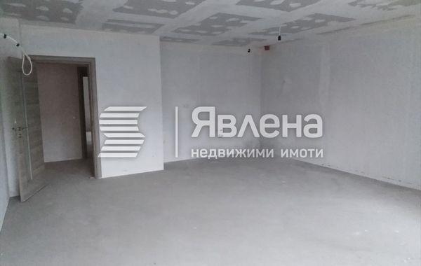 тристаен апартамент варна n8cu6msk