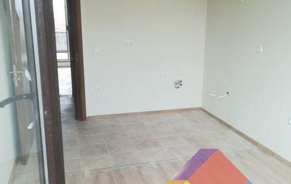 тристаен апартамент варна n9hwuy41