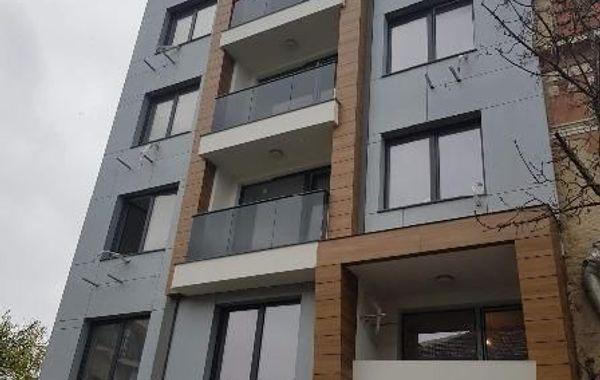 тристаен апартамент варна nbxlc632