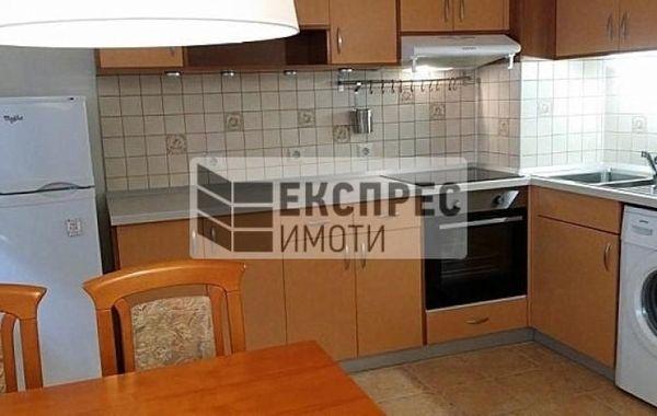 тристаен апартамент варна p92g5v66