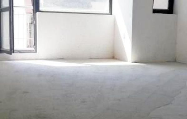 тристаен апартамент варна p9q98fht