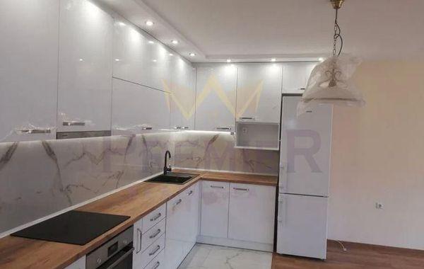 тристаен апартамент варна pfpb8r57