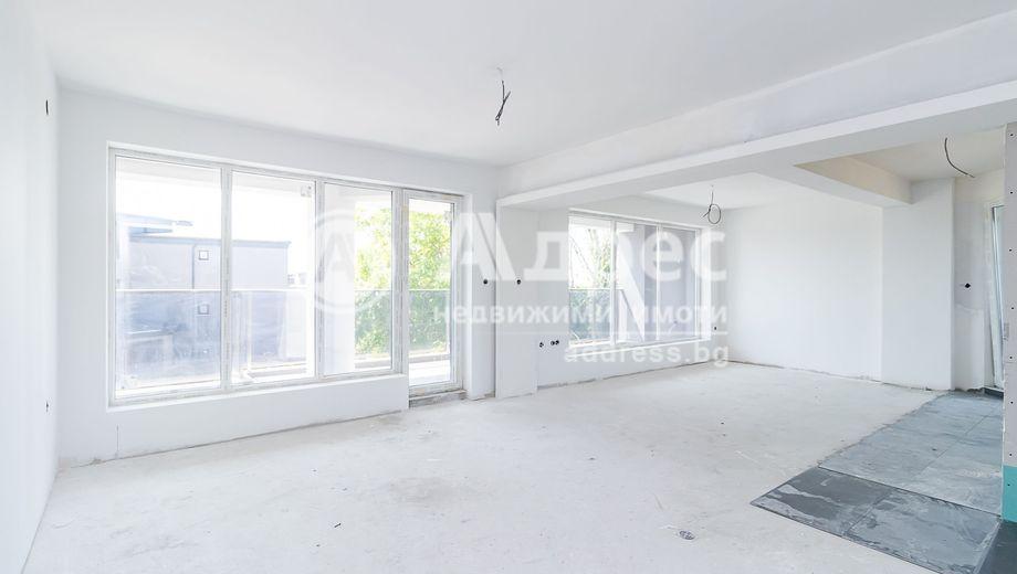 тристаен апартамент варна q2xr3mcd