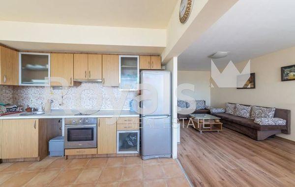 тристаен апартамент варна q3qrc4hu