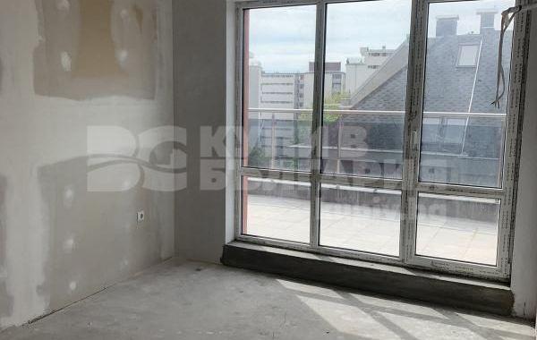 тристаен апартамент варна q3ybx78m