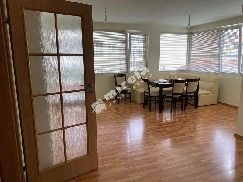 тристаен апартамент варна q4yjcsjg