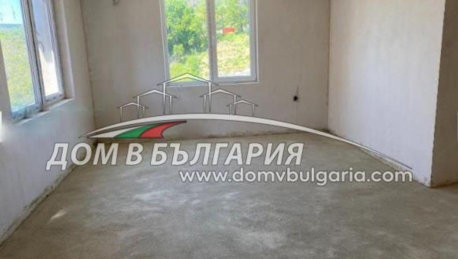 тристаен апартамент варна q55qtmh2