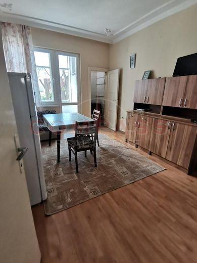 тристаен апартамент варна q564tqhy