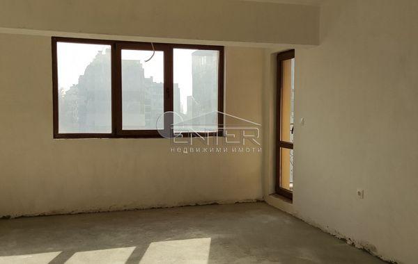 тристаен апартамент варна q5fhp9yu