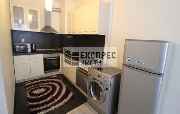 тристаен апартамент варна q623tc7g