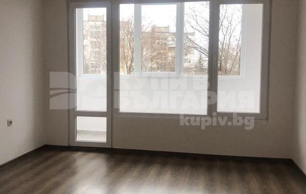 тристаен апартамент варна q642cab8