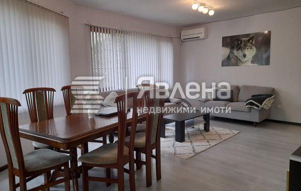 тристаен апартамент варна q7q3jqbs