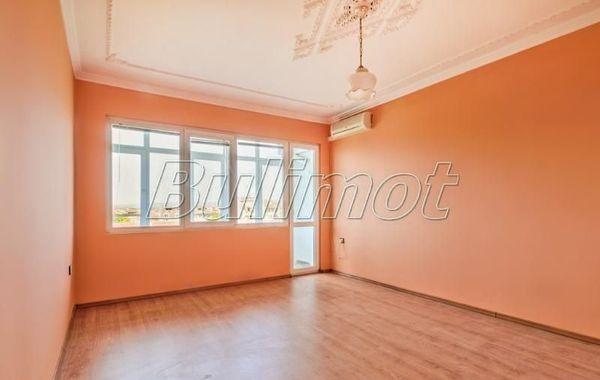 тристаен апартамент варна q9hdb8ja
