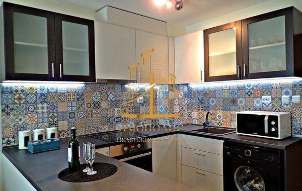 тристаен апартамент варна q9va5yjn