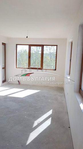тристаен апартамент варна qk14jgq6