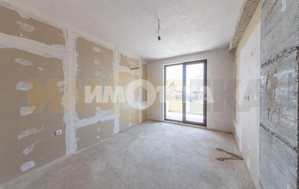 тристаен апартамент варна qm126c8d