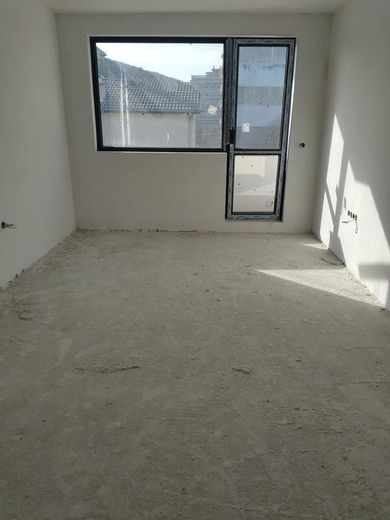 тристаен апартамент варна qnrdqm7x